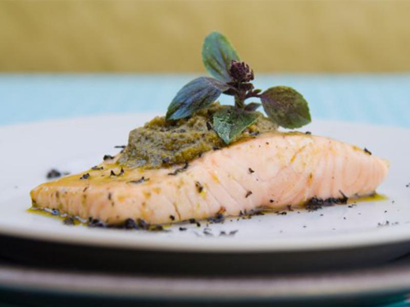 SALMÓN AL PESTO | Una de las formas más ricas para comer este delicioso pescado.