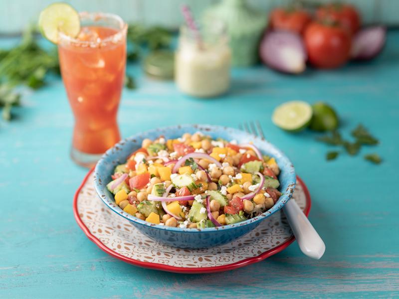 ENSALADA DE GARBANZOS | Muy fresca, ideal para comer en un día caluroso.