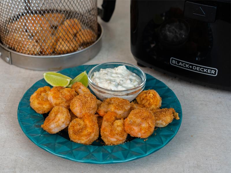 Camarones Fritos sin Aceite ¡cero culpa!   Con la freidora de aire Saludable de BLACK+DECKER® puedes hacer esta y muchas más recetas deliciosas ¡sin culpa!